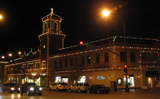 i was traveling across the country by car and had an evening to spend in the kansas city area my friend kelly and i chose to seek out christmas lights in - Christmas Lights In Kansas City