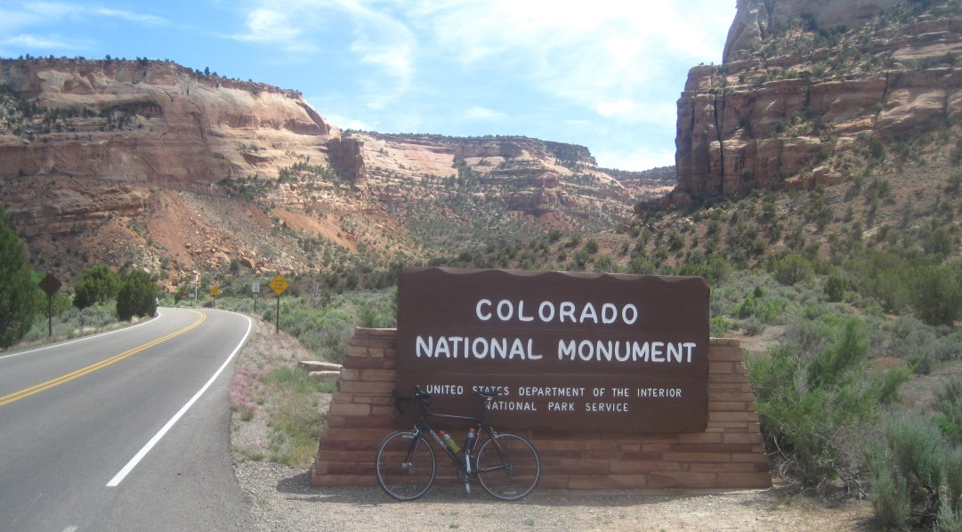 colorado-national-monument-bicycle.jpg